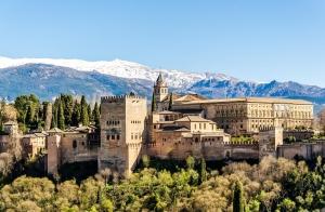 Granada, 2 noches + Alhambra por 52€