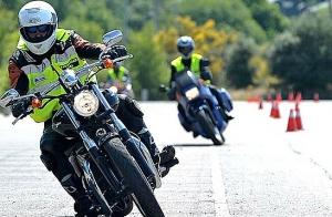 Carné de moto A2 y A con clases en Bilbao