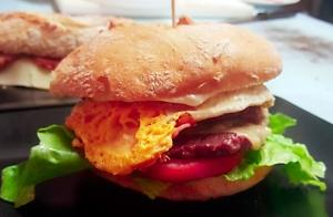 Menú para 2 con hamburguesa o bocadillo